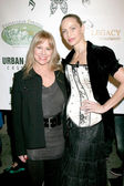 Melissa Carrey and Christina Fulton — Stock Photo