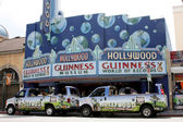 Guiness Museum and Hollywood Tour Buses — Stock Photo