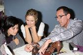 Kristen Bell & hospital patient Daniely Valenzuela, and shoe designer Mark — Stock Photo