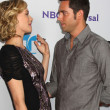 Yvonne Strahovski, Zach Levi — Stock Photo #12941489
