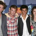 Robert Pattinson, Cam Gigandet, Taylor Lautner, Kristin Stewart — Stock Photo