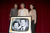 Sam Nelson & sister Tracy Nelson, with uncle David Nelson — Stock Photo