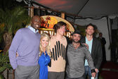 Jaison Robinson, Survivor winner Natalie White, Brett Clouser, Russell Hantz and Mick Trimming — 图库照片
