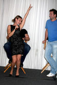 Sharon Case givning Daniel Goddard a lap dance for his birthday — Stock Photo