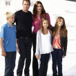 Постер, плакат: Cindy Crawford husband kids friend