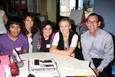 Kevin Valenzuela, Nicole Chavez, Daniely Valenzuela, Kristen Bell, Mark Linn Pozo — Stock Photo