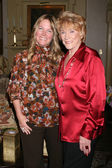 Maria Arena Bell & Jeanne Cooper — Stock Photo