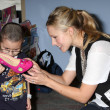 Kristen Bell & hospital patients — Photo