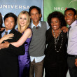Alison Brie, Ken Jeong, Gillian Jacobs, Danny Pudi, Yvete Nicole — Stock Photo