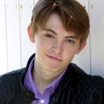 ������, ������: Dylan Riley Snyder