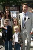 Chris O'Donnell and family — Stock Photo