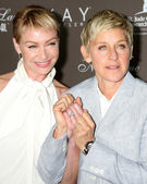 Portia DeRossi & Ellen DeGeneres — Stock Photo