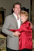 Peter Bergman & Jeanne Cooper — Stock Photo