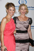 Lori Loughlin & Christina Applegate — Stock Photo