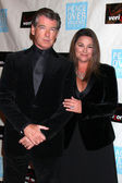 Pierce Brosnan & Wife Keely Shaye Smith Brosnan — Stock Photo
