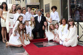 Adderley School Singers with Andrea Bocelli — Stock Photo