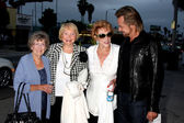 Evelyn (Jeanne Cooper's sister), Lee Bell, Jeanne Cooper, Stephen Nichols — Stock Photo