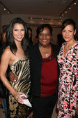 Roselyn Sanchez, Yancy Arias' mom, and Constance Marie — Foto Stock