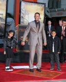 Will Smith, with his kids Willow and Jaden — Stock Photo