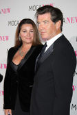 Keely Shaye Smith & Pierce Brosnan — Stock Photo