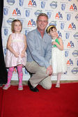 Stephen Daldry & daughters — Stock Photo