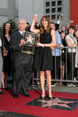 Johnny Grant, Honorary Mayor of Hollywood, and Hilary Swank — Stock Photo