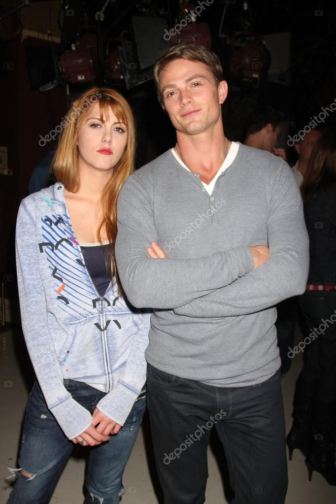 Yvonne Zima and Wilson Bethel  at the 37th Anniversary of the Young and the Restless Cake Ceremony  Young and the Restless Set - CBS Television City in Los Angeles, CA on March 26, 2010 — Foto de Stock   #12971288