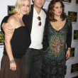 Jennie Garth & Peter Facinelli, with Kathy Najimy — Stock Photo #12984992