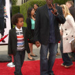 Arsenio Hall & son — Stockfoto