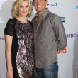 Yvonne Strahovski, Zach Levi — Stock Photo