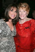 Kate Linder & Jeanne Cooper — Stock Photo
