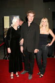 Maggie Johnson (mom), Kyle Eastwood, date — Stock Photo