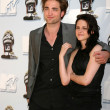 Robert Pattinson, Kristen Stewart — Stock Photo #12991950