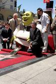 Mike Myers, Shrek, Antonio Banderas & Chamber Officials — Stock Photo