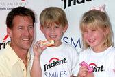 James Denton, son Sheppard and daughter Malin — Stock Photo