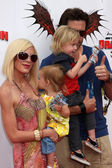 Tori Spelling and Family — Stock Photo