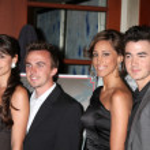 ������, ������: Elycia Turnbow Frankie Muniz Kevin Jonas & Wife Danielle