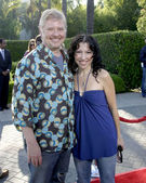Dave Foley & wife — Stock Photo
