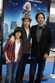 Alex & Nat Wolff with dad Michael Wolff — Stock Photo