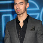 ������, ������: Joe Jonas