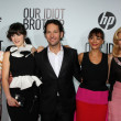 Kathryn Hahn, Zooey Deschanel, Paul Rudd, Rashida Jones and Elizabeth Banks — Stock Photo
