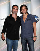 Nestor Carbonell and Henry Ian Cusick — Stock Photo