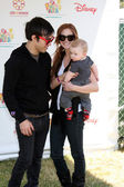 Pete Wentz, Ashlee Simpson-Wentz, son Bronx Mowgli Wentz — Stock Photo