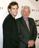 Donald Sutherland & Son Rossif Sutherland — Stock Photo