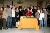 Jeanne Cooper & the Y&R Cast — 图库照片