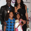 Djimon Hounsou & Kimora Lee Simmons & her daughters — Stock Photo