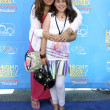 Kathy Najimy and daughter — Stock Photo