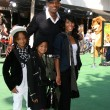 Постер, плакат: Will Smith Jada Pinkett Smith with their children Willow & Jaden