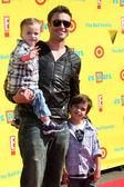 Daniel Goddard, sons Sebastian & Ford — Stock Photo