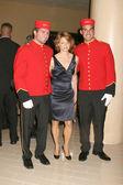 Jodie Foster & Cunard Staffers — Stock Photo